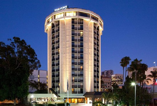 Four Points by Sheraton San Diego Downtown : Exterior at dusk