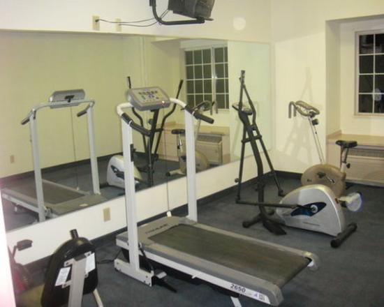 Royal Suites Mount Airy: Fitness Center