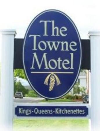 Towne Motel: Sign