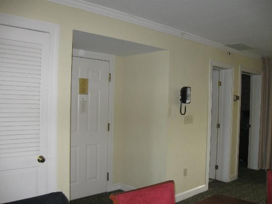 Wyndham Newport Onshore : Some of the many doors in the unit