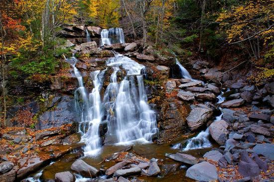 Catskill Lodge Bed and Breakfast: Kaaterskill Falls