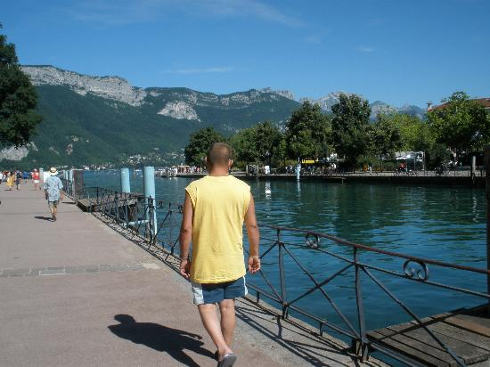Annecy, France : Le lac
