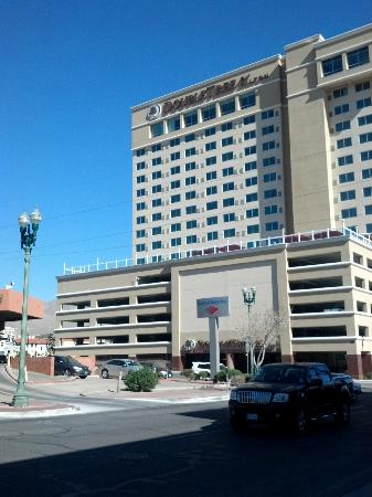 Doubletree Hotel El Paso Downtown/City Center: The outside of the hotel.
