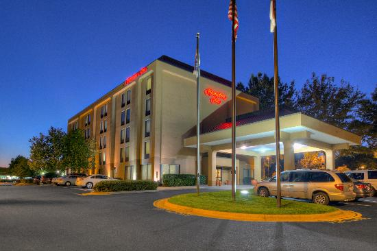 Hampton Inn Raleigh/Cary: Exterior