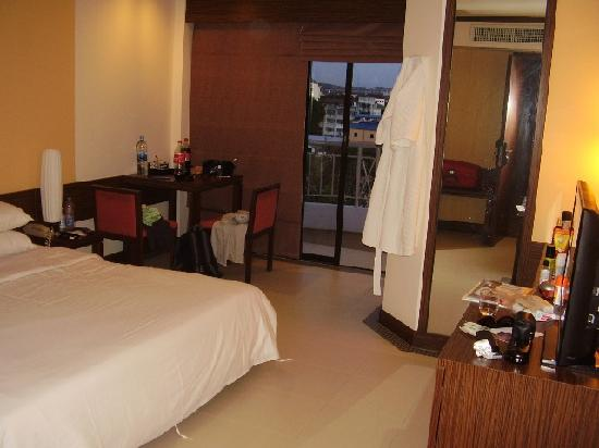 Mercure Pattaya Hotel: Our standard double