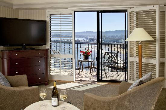 Monterey Bay Inn: Ocean View Room