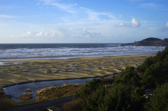 BEST WESTERN PLUS Agate Beach Inn: View from our room