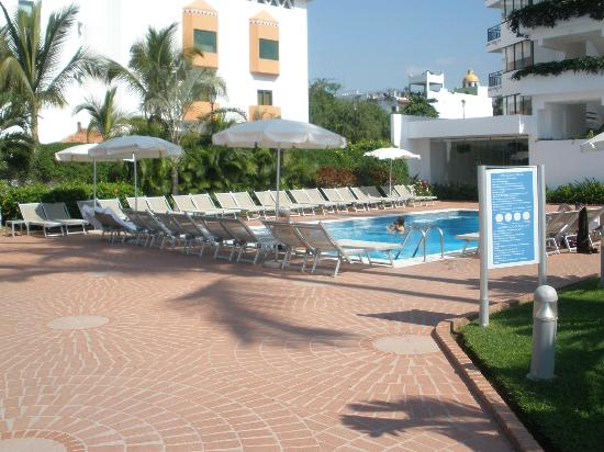 Buenaventura Grand Hotel and Spa: Pool 1