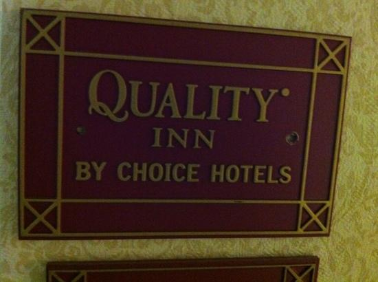 Americas Best Value Inn-Carneys Point/Wilmington: placard in 300 building