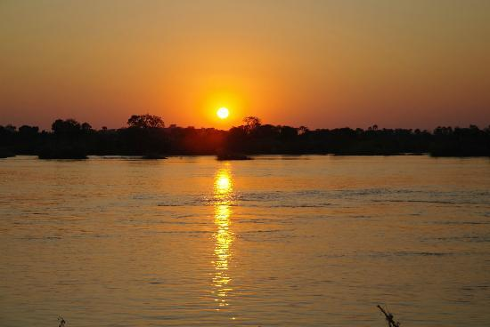 Zambezi Sun: Sunset at Zambezi River - view from Royal Livingstone Verandah