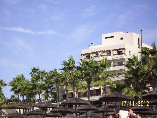 Atlantica Golden Beach Hotel: Hotel front