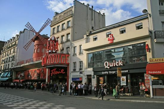 Timhotel Saint Georges: Moulin Rouge