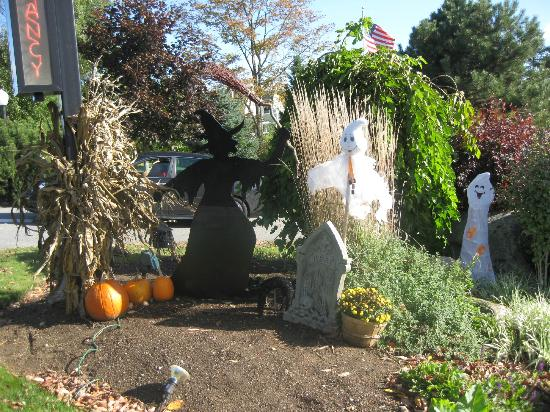 ‪‪Strawberry Hill Seaside Inn‬: Trick or Treat! Definitely a treat. Strawberry Hill Seaside Inn, Rockport, ME‬