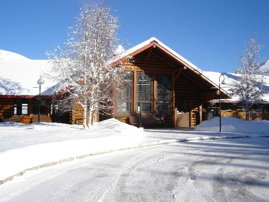 Lake louise station for Lake louise cabin rentals
