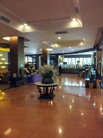 Furama Chiang Mai: Lobby