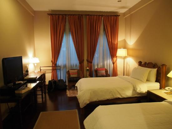 Baan Klang Wiang: Twin beds