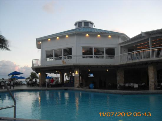 Divi Carina Bay All Inclusive Beach Resort: Hotel view from poolside