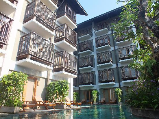 The Oasis Lagoon Sanur: The surrounds