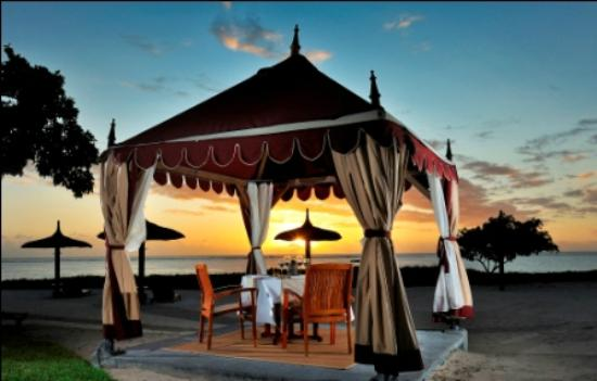 Maradiva Villas Resort and Spa: Under the Tent
