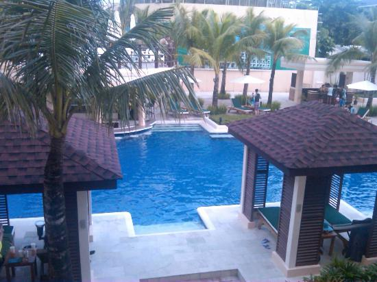 Boracay Garden Resort: view of the pool from the balcony