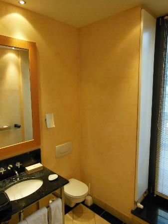 Anna Hotel: Bathroom 2