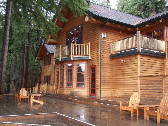 The Lodge at Suttle Lake: Rear of the Lodge