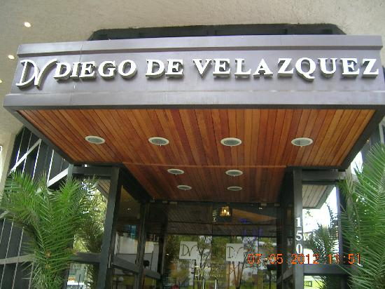 Diego de Velazquez Hotel: entrada del hotel