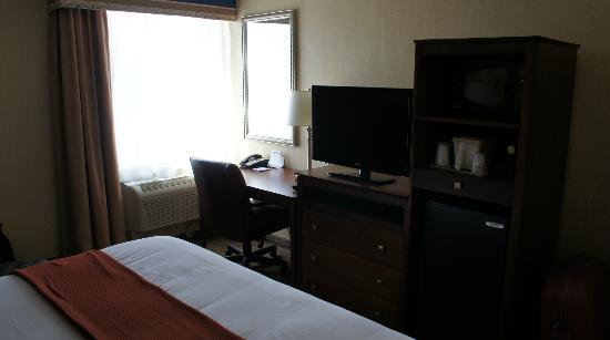 Holiday Inn Express Ramsey-Mahwah: My Room
