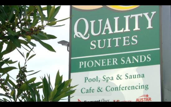 ‪Quality Suites Pioneer Sands‬