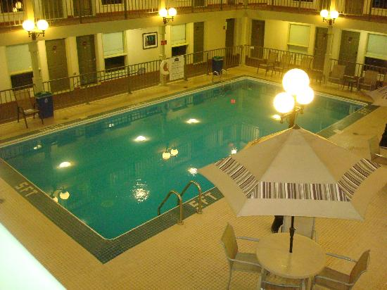 Lakeview Inn & Suite Grand Forks: Pool