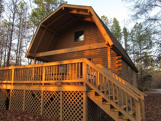 Uchee Creek Army Campground and Marina: Our Cabin