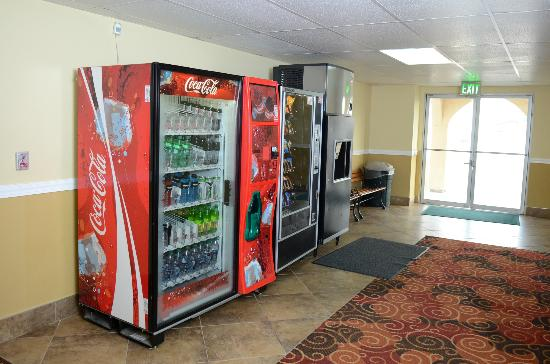 Days Inn Yakima: Vending Mechine
