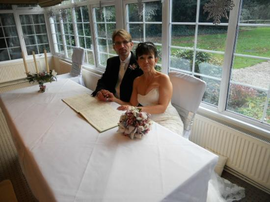 The Mill House Hotel and Restaurant: Christmas bride