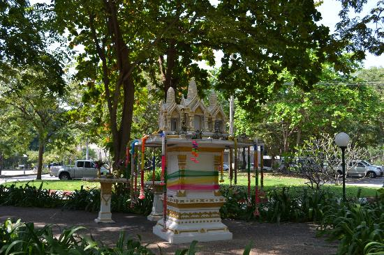 Siam Bayshore: Shrine at Hotel Premises