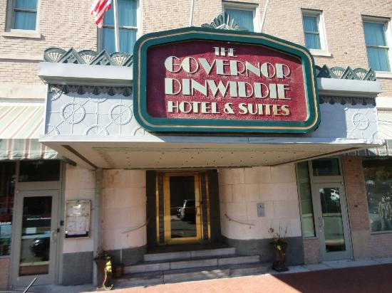 The Governor Dinwiddie Hotel & Suites: Front Entrance