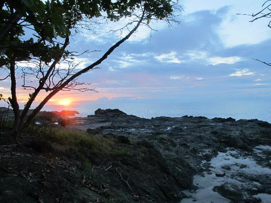 Ylang Ylang Beach Resort: sunrise at Ylang Ylang