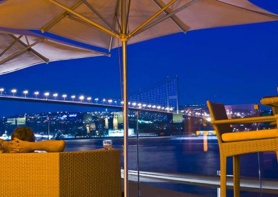 Radisson Blu Bosphorus Hotel, Istanbul: Cruise Lounge Bar