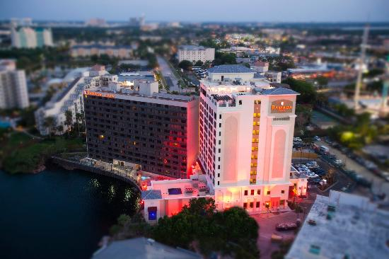 Ramada Plaza Resort and Suites Orlando International Drive