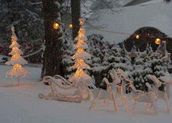 The Inn at Pocono Manor: Christmas Outside