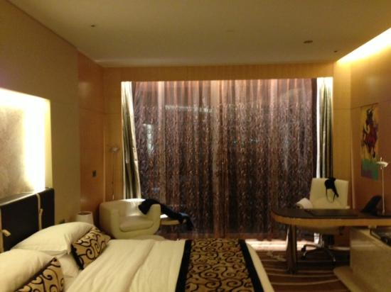 The Meydan Hotel: room