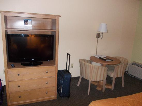 Comfort Inn & Suites at Dollywood Lane: ROOM