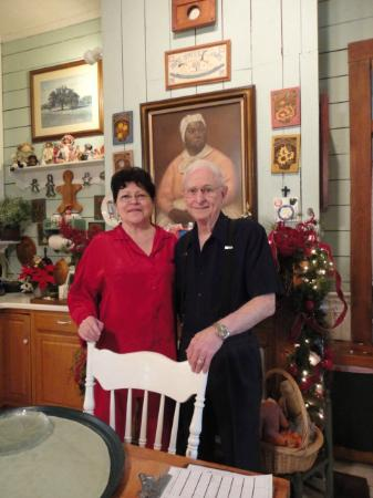 T'Frere's Bed & Breakfast: Maugie and Pat Pastor (the innkeepers)