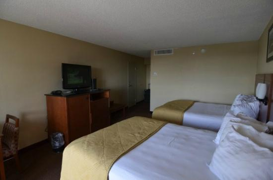 BEST WESTERN Lake Buena Vista Resort Hotel: good size room and very comfortable