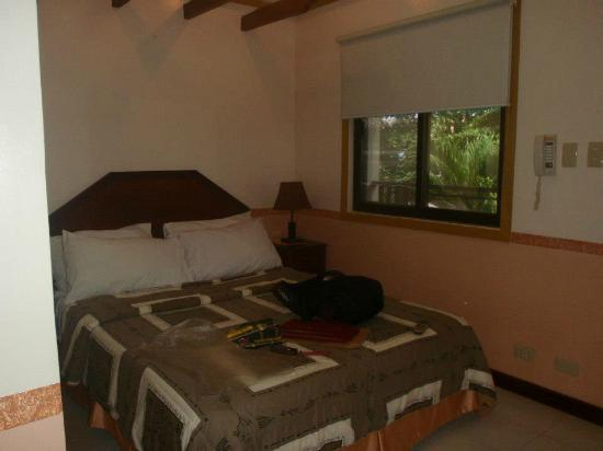 Kabayan Beach Resort: My room