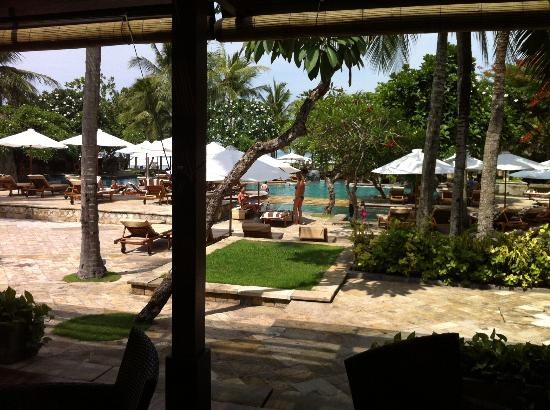 The Royal Beach Seminyak Bali - MGallery Collection: La piscine vue du restaurant