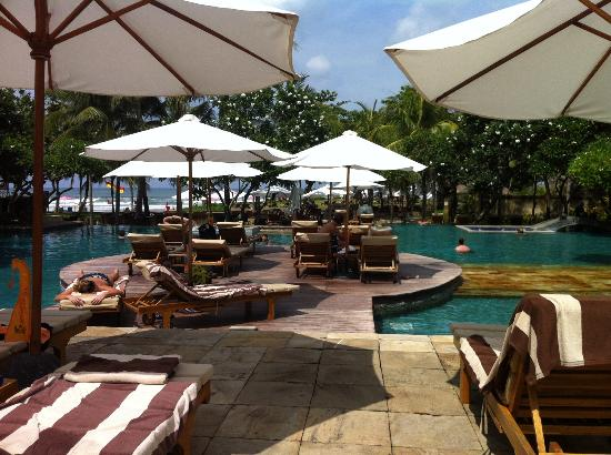 The Royal Beach Seminyak Bali - MGallery Collection: La piscine