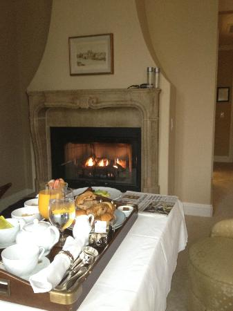 Hotel Les Mars, Relais & Chateaux: breakfast served in the room