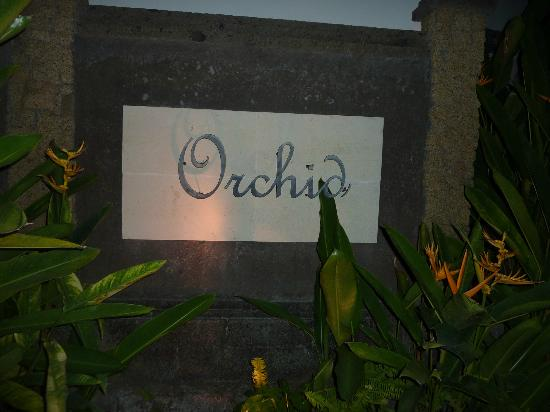 Villa Orchid Bali: Sign out front
