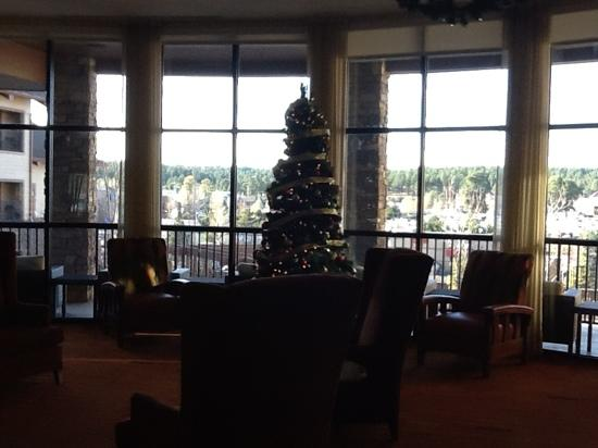 Courtyard Flagstaff: christmas in the lobby