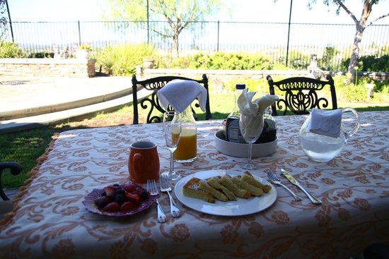 Casa Bella Sera - Private Home Stay: beautiful breakfast